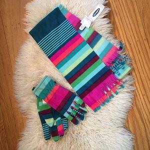 Old navy girls scarf and gloves set size Medium